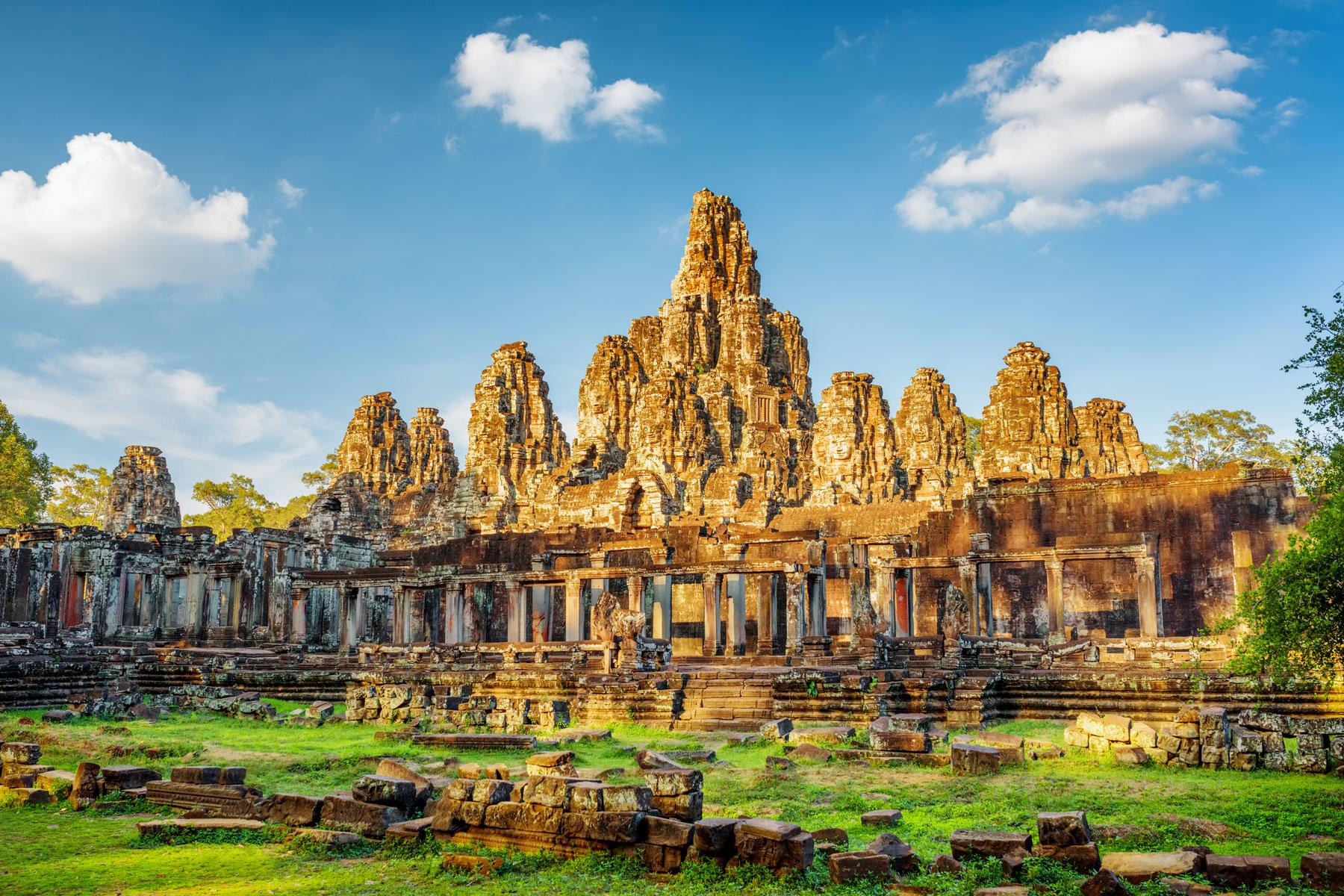 HERO_Best_Temples_and_Ruins_Cambodia_shutterstock_339593069